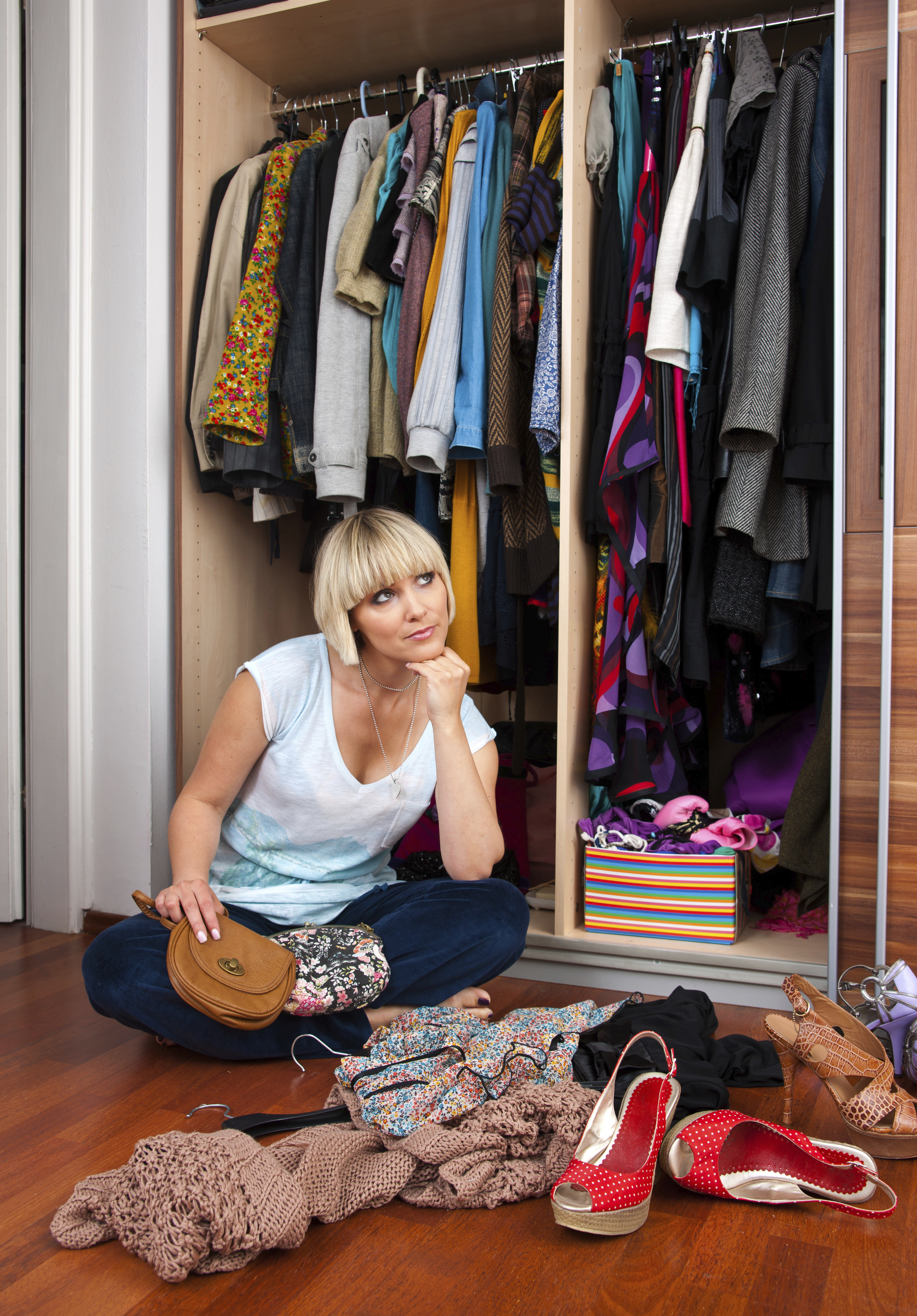 cleaning and organizing your closet like a pro | kokoa magazine