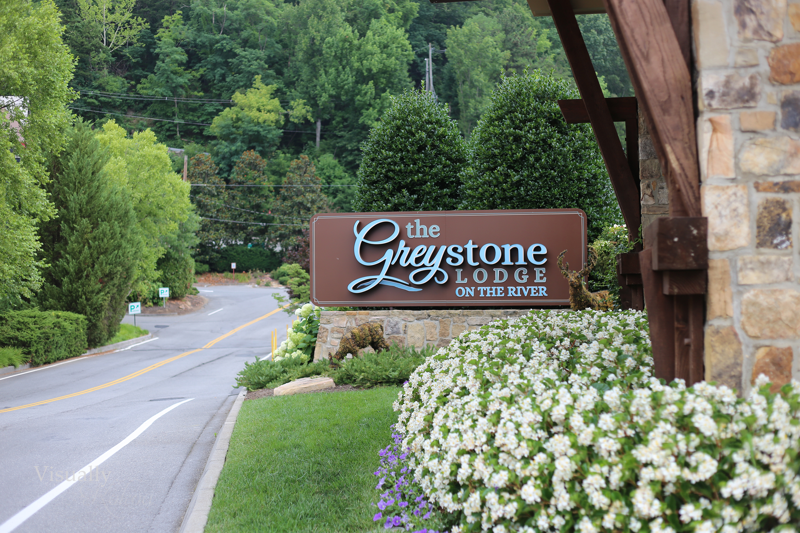 greystone lodge on the river