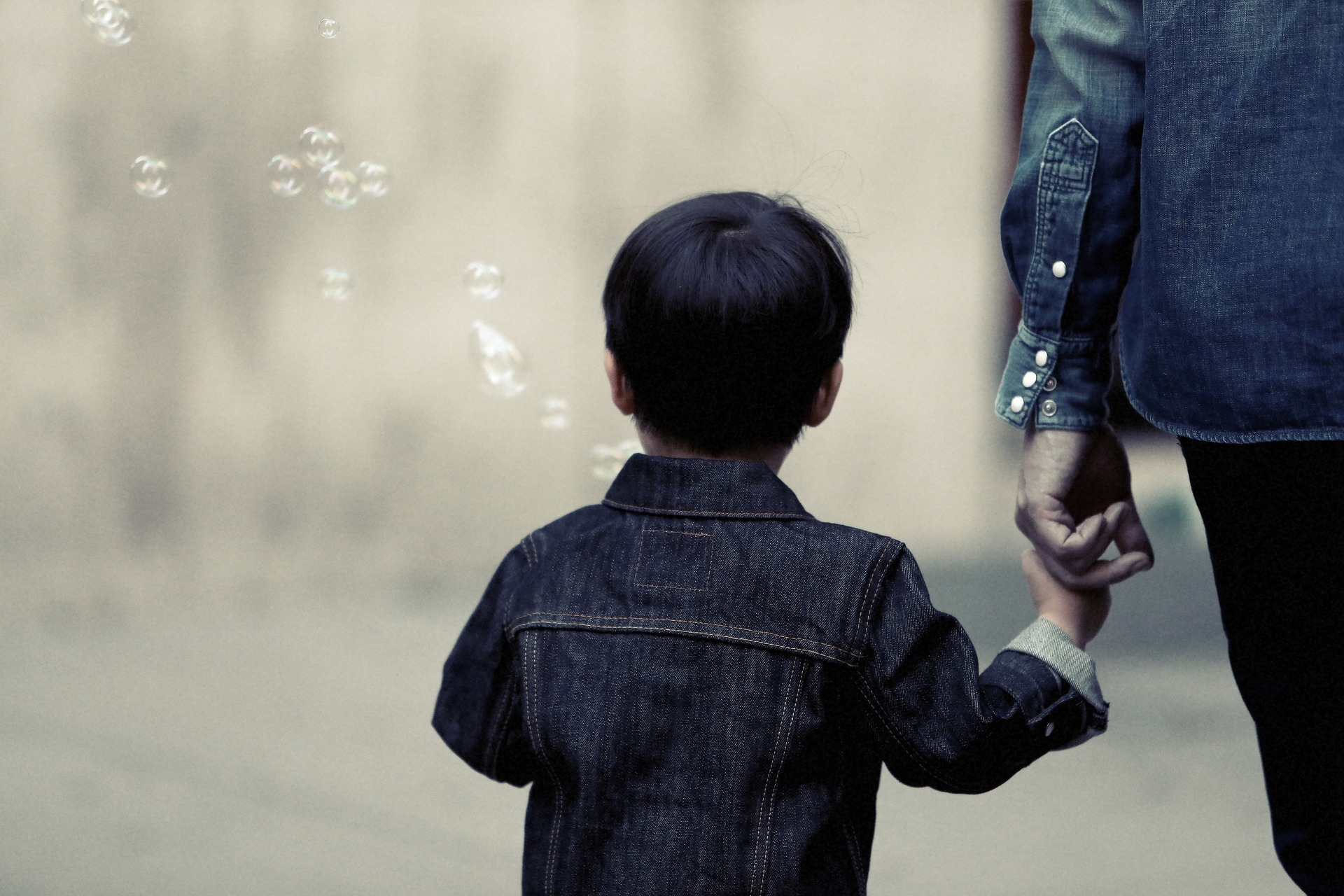 Growing up in a single parent home essay
